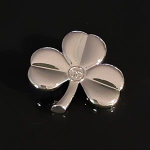 ✨Auth - Chanel Cloverleaf Pin Brooch for vip